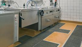 Pardoselile UCRETE pentru bucătării și centre Wellness